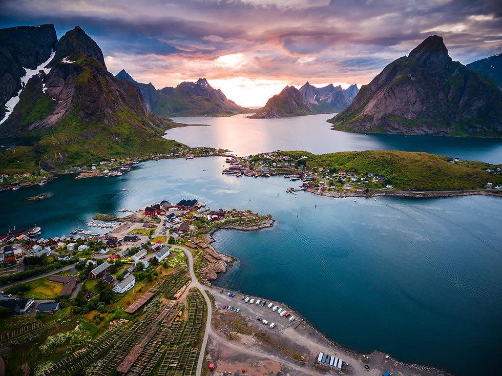 Amazing-Lofoten-Islands-by-Shutterstock-