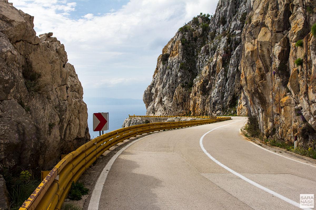 Croatia-road-to-Dubrovnik