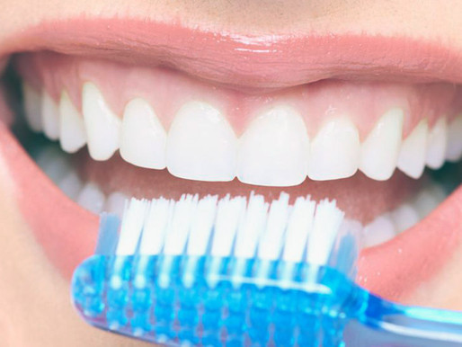 Нужно ли взрослым чистить зубы вечером?