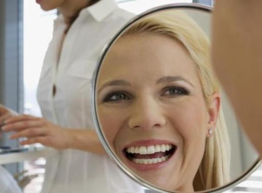 Можно ли пить кофе сразу после чистки, отбеливания зубов и сколько нельзя?