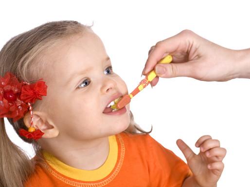 Как научить ребёнка чистить зубы в 2 года: рекомендации