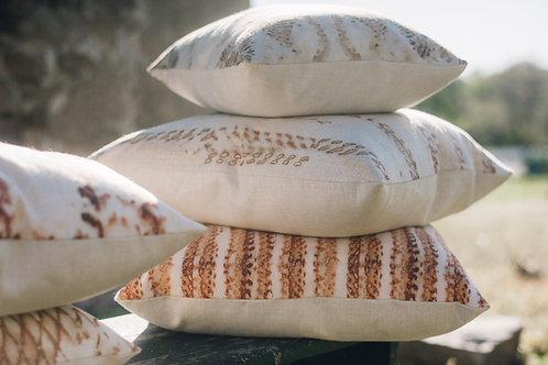 Feyoh Rust Pillows