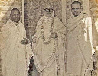 Sri Srimad Bhakti Vijnana Bharati Gosvami Maharaja as Narottama Brahmacari, with his gurudeva Srimad Bhakti Dayita Madhava Gosvami Maharaja