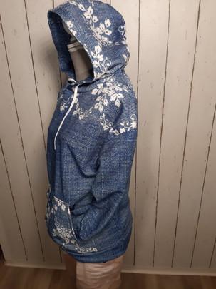 Hoody Jeans Spitze.jpg