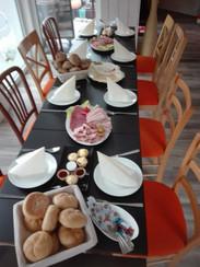 Frühstück im Cafe MODIA