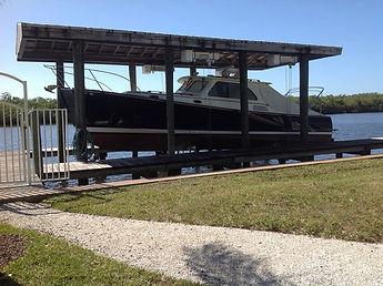 42-Hinkley boat house lift.jpg