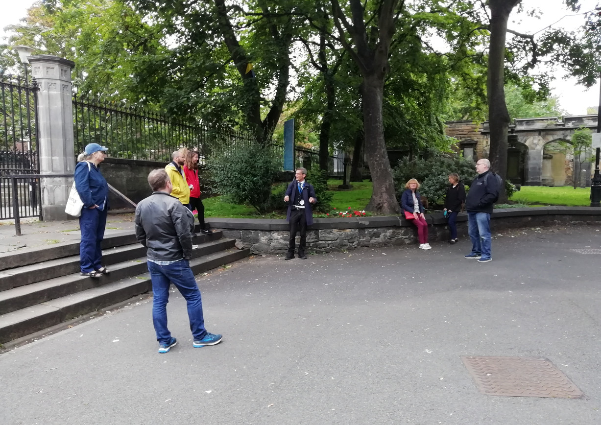 """""""Funshine on Leith"""" comedy walking tour with a difference! The tour was in collaboration with Invisible Cities and was described by the Scotsman as """"hugely entertaining, packed full of fascinating facts and gloriously unique"""". Read full article:"""