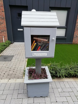 Leith Little Free Library, Chandler Street, off Leith Links