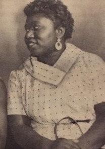 Mae Earring