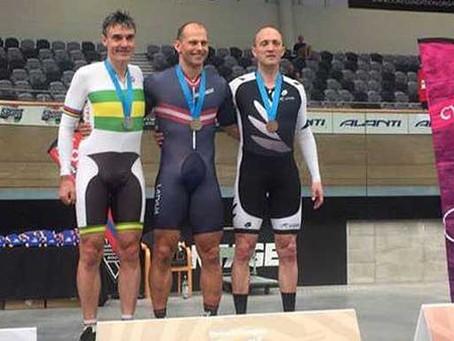 Федерация велоспорта Латвии обвинила Айнарса Киксиса