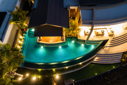 From beach to bushland, coast to canal, we design and build award-winning pools that complement lifestyle and location.