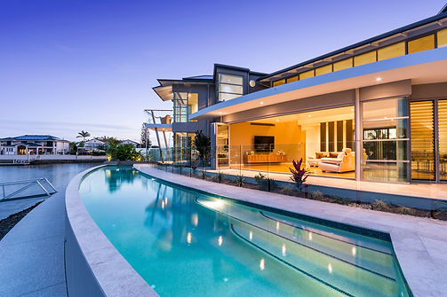Wet-edge pool by award-winning pool builder Gold Coast, Brisbane, Scenic Rim, Queensland