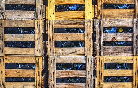 wine-bottles-3126498_1920.jpg