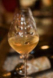 verres de vin en gros plan.jpg