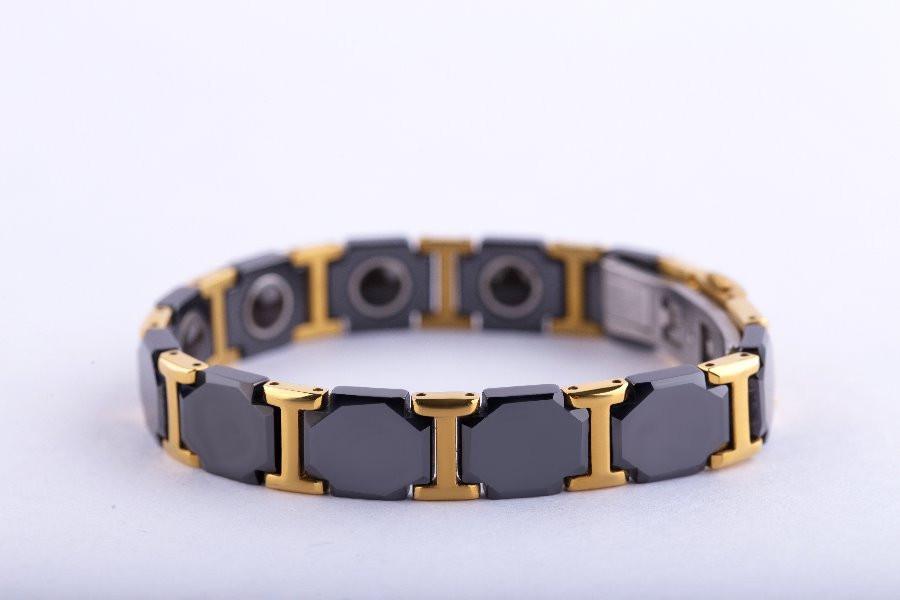 bracelet1.jpg