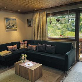 Gästehaus Mair, Ferienwohnung 1, Wohnzimmer 2 b-2 1200.jpg