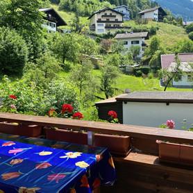 Gästehaus Mair, Ferienwohnung 1, Balkon 2_edited.jpg