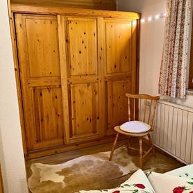 Gästehaus Mair, Ferienwohnung 1, Schlafzimmer 2.JPG