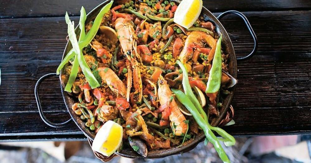 Sa Foradada şirketinde Paella dish