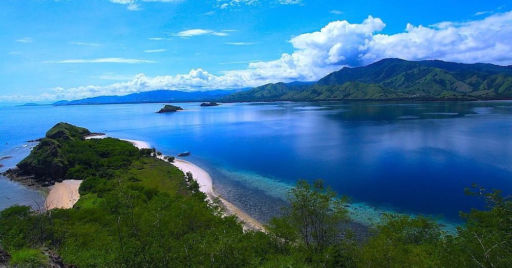 su ve ada 17 Island Marine Park Flores içinde