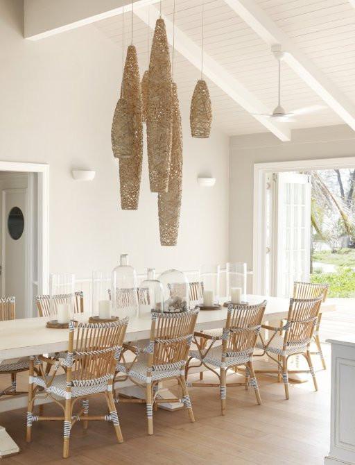 thanda adasında yemek masası