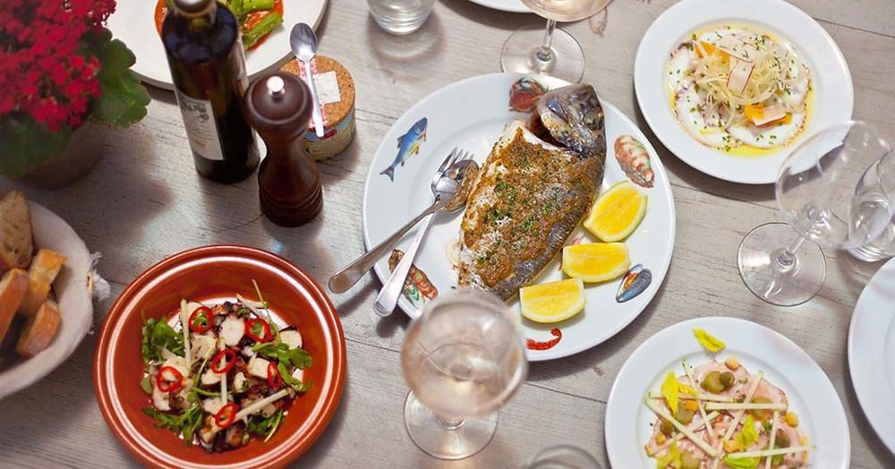 akşam yemeği Gustavia La Guerite'de servis edilir