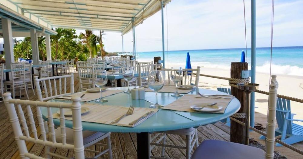 güzel sahil tarafı restoran Mango's Anguilla
