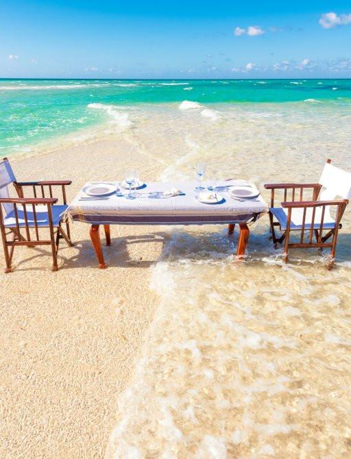 thanda özel adada sahilde yemek