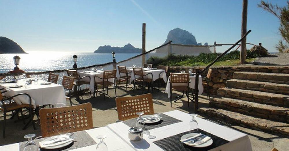 Es Boldado, Cala D'Hort Ibiza açık yemek alanı