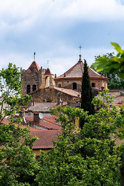 Les toits de Céret, église Saint Pierre, Céret, Vallespir, Pyrénées Orientales, Occitanie.
