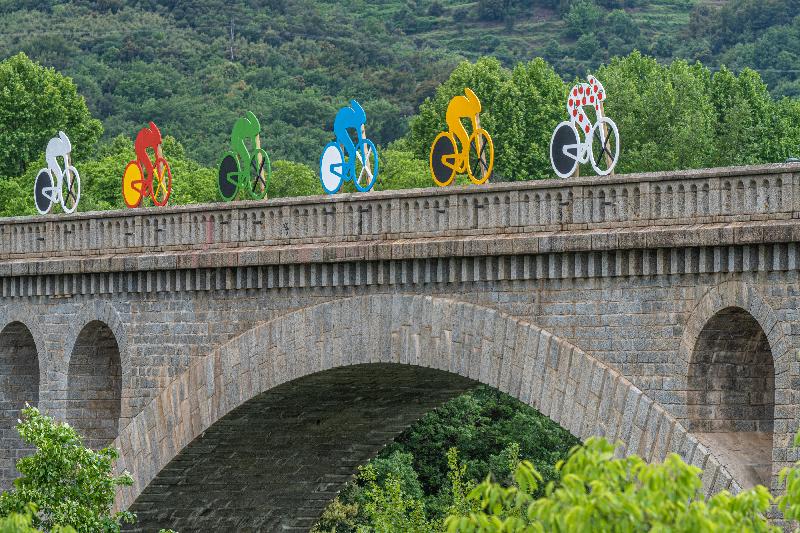 Décoration de la ville de Céret lors du passage du tour de France cycliste le 11 juillet 2021.