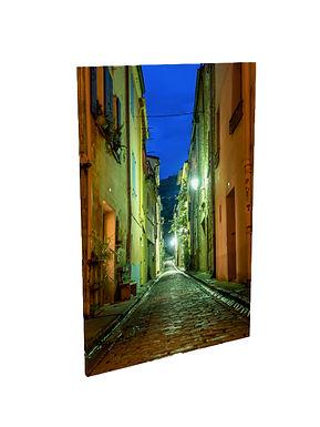 Photographie de nuit de la rue Pierre Brune à Céret Vallespir Pyrénées Orientales Occitanie
