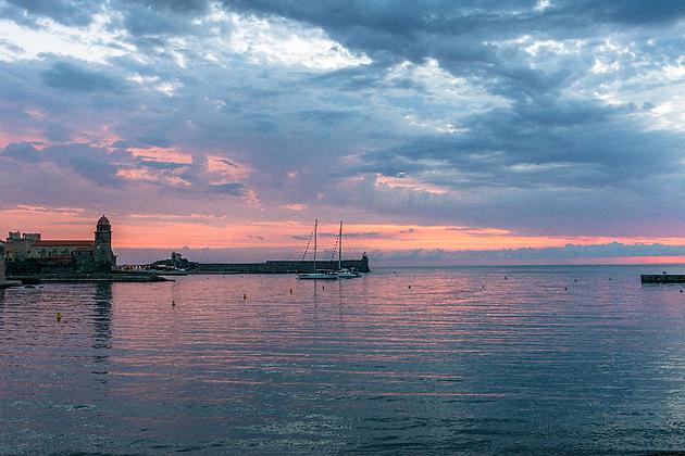 """Lever de soleil sur Collioure """"photo sur toile"""""""