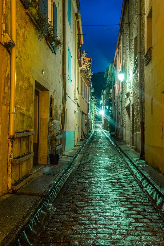 Photo nocturne de la rue Pierre Brune à Céret en Vallespir