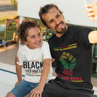 t-shirt-mockup-of-a-man-taking-a-selfie-