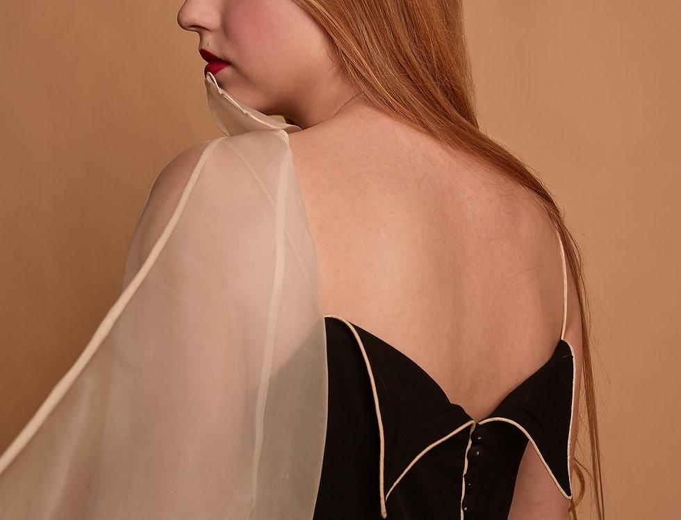 Платье с крыльями