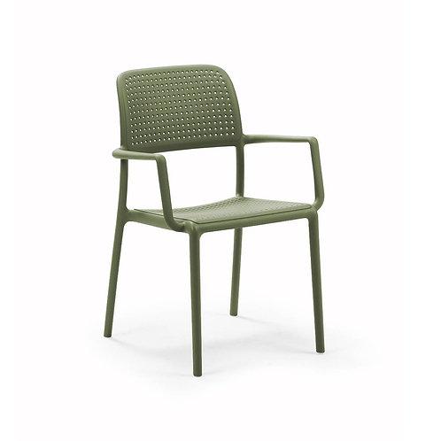 Cadeira com Braços Bora