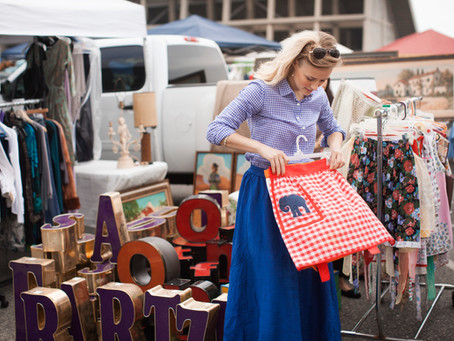 4 ways to score the best deals at yard sales!