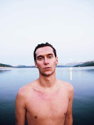 Porträtt vid bad i havet