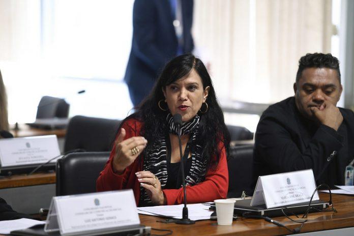 Maria José Braga em pronunciamento no Conselho de Comunicação Social