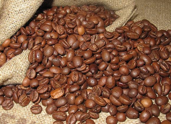 Arabica Kaffee in Bearbeitung