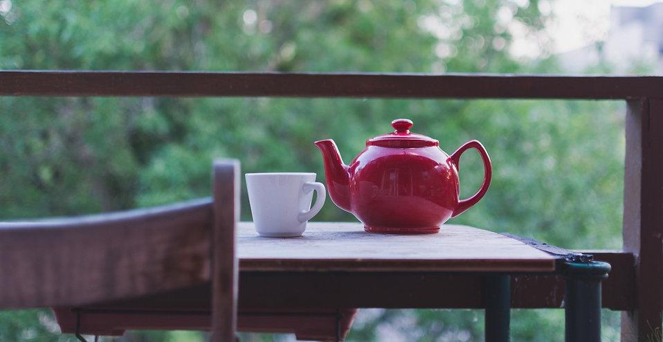 tea-2589747_1920_edited.jpg