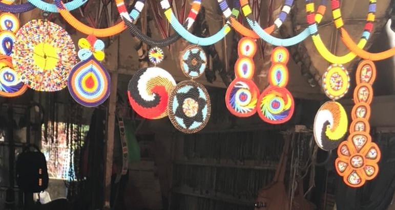 Farbenfrohe Massai Halsketten