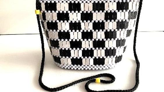 Handbag with wooden beads