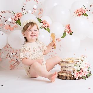 Bella Cake Smash005.jpg