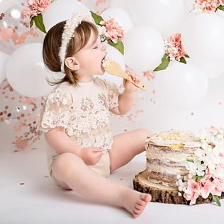 Bella Cake Smash006.jpg