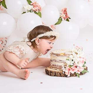 Bella Cake Smash004.jpg