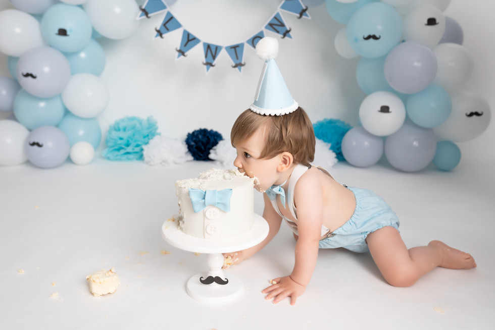 Cake Smash and splash Essex Photographer 1st Birthday Photoshoot