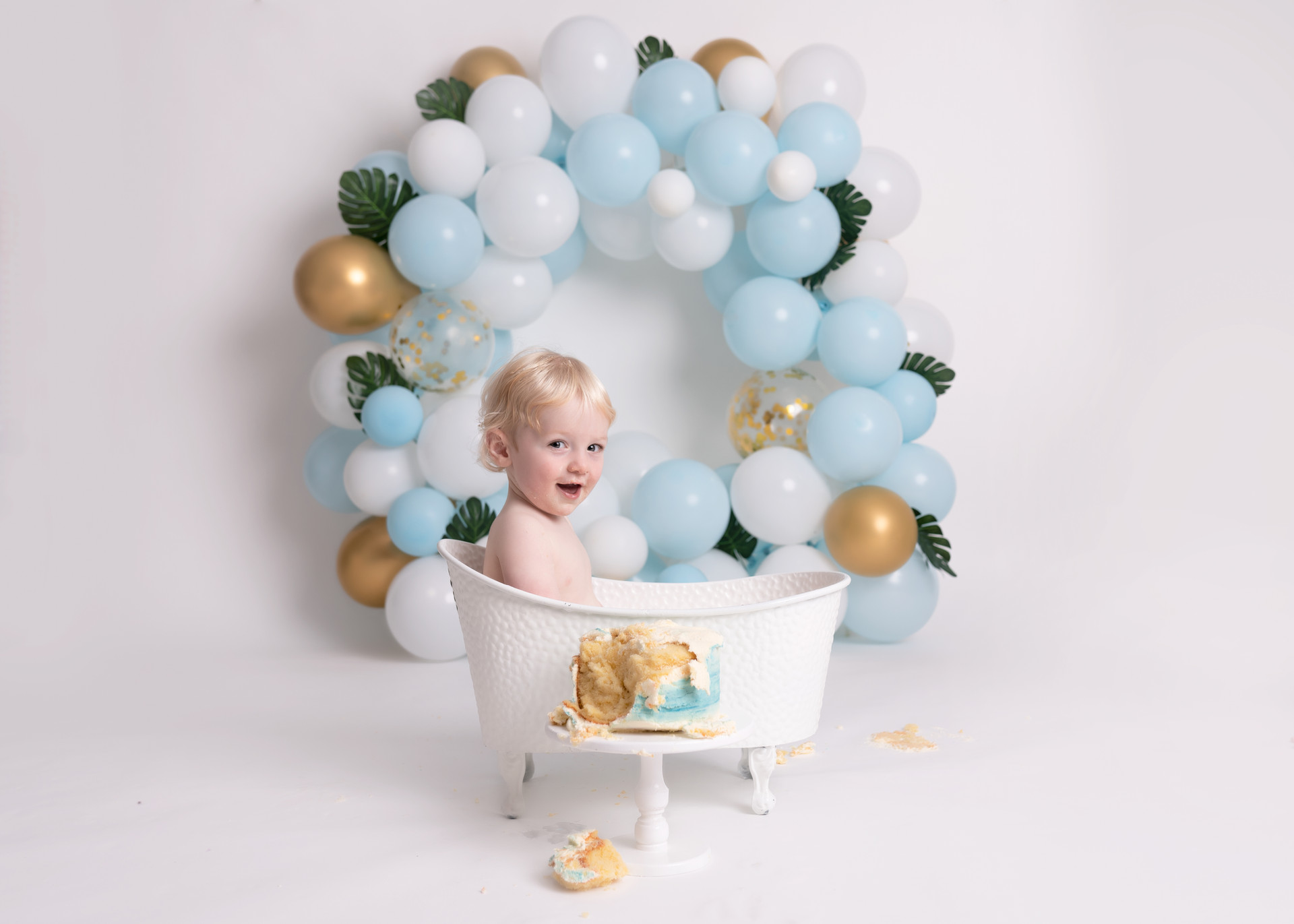 Cake Smash Bubbles and Bluebells Photography
