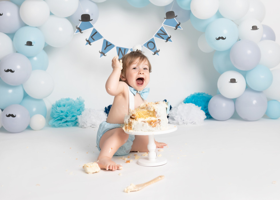 Cake Smash and Splash Photos Essex Hertfordshire Border